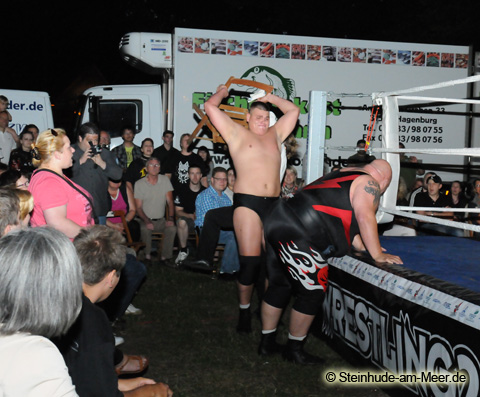 Cannonball Grizzly vs. Big van Walter